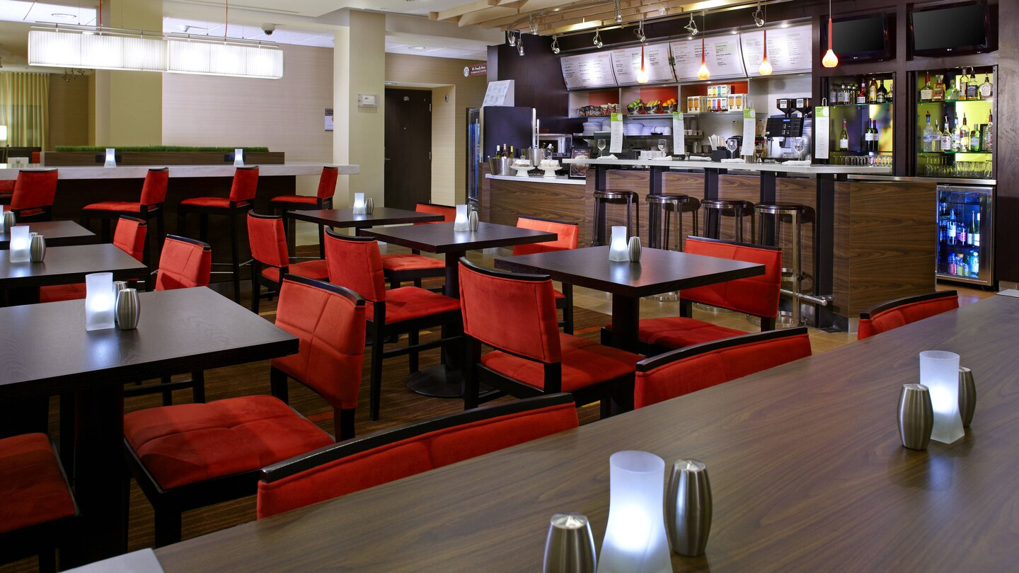 Courtyard by Marriott Altoona bistro