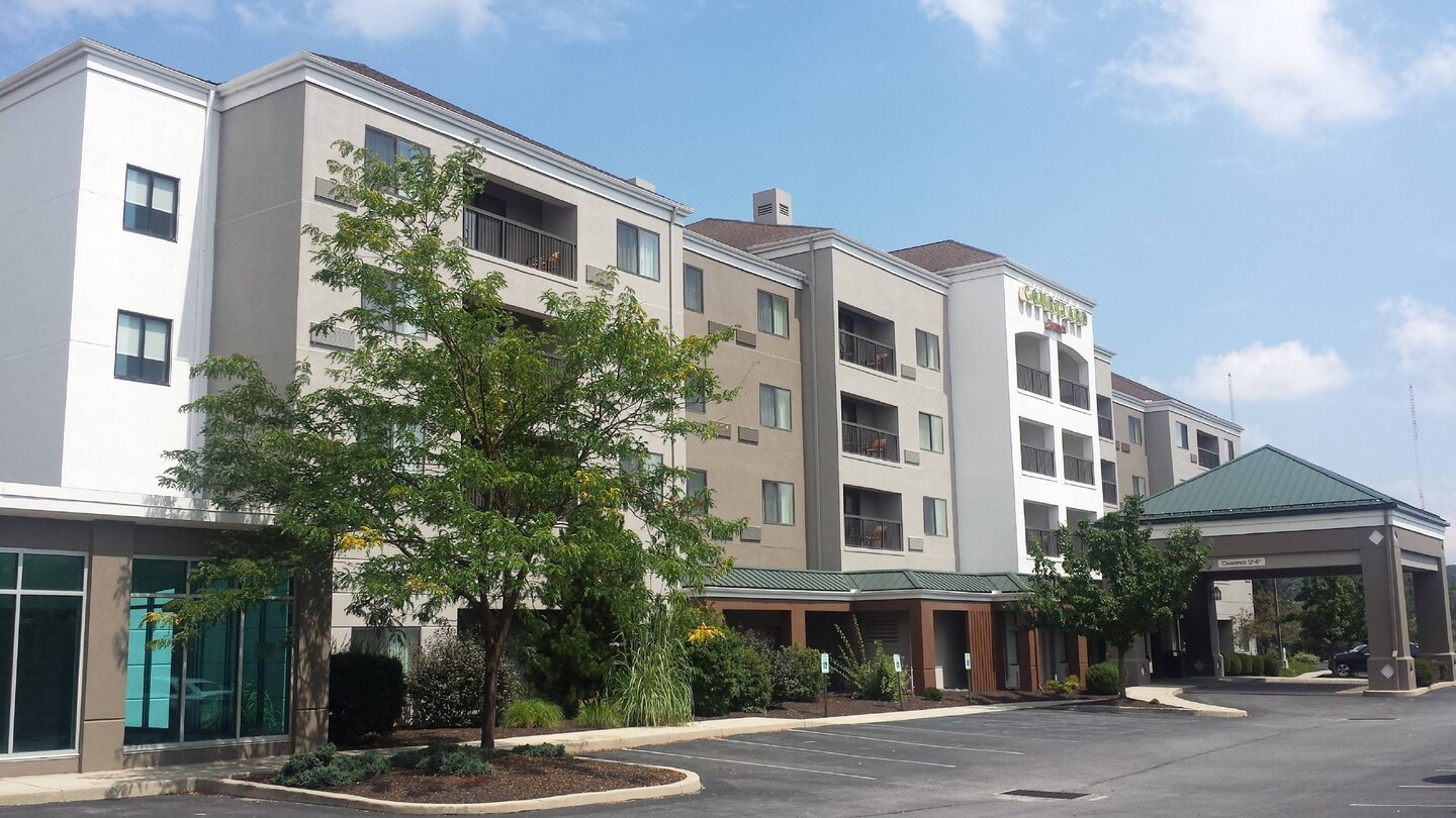 Courtyard by Marriott Altoona exterior