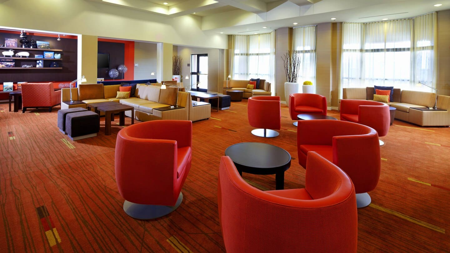 Courtyard by Marriott Altoona lobby