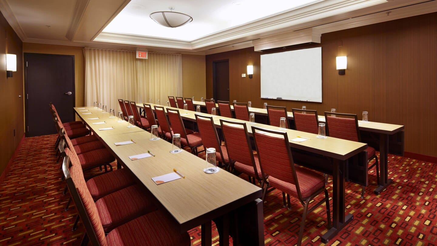Courtyard by Marriott Altoona meeting room