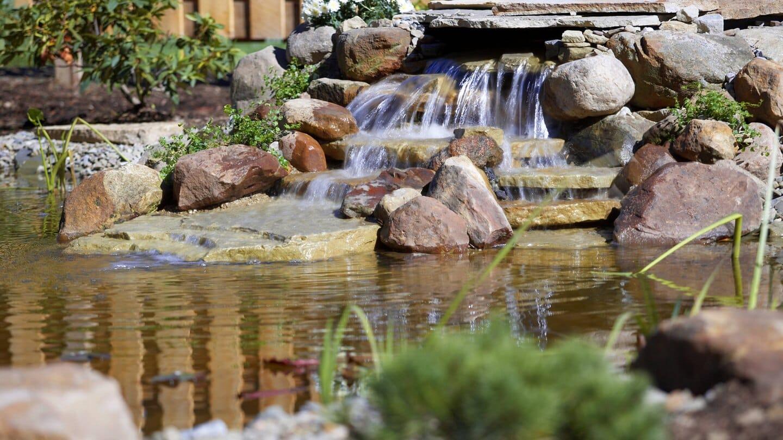 Courtyard by Marriott Altoona waterfall