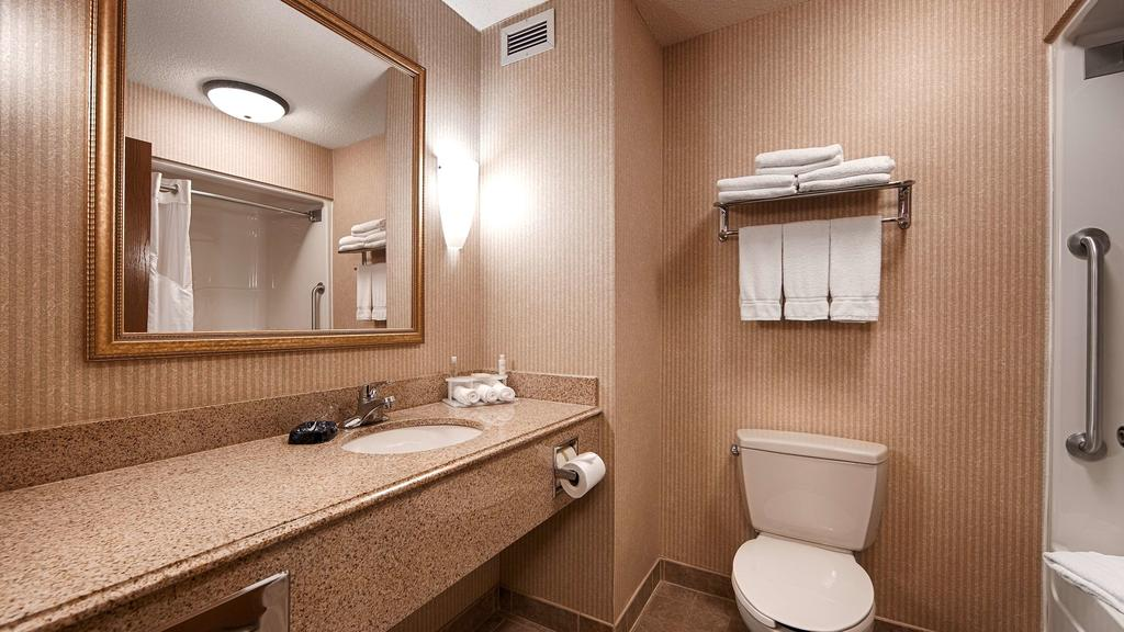 best-western-clearfield-bathroom