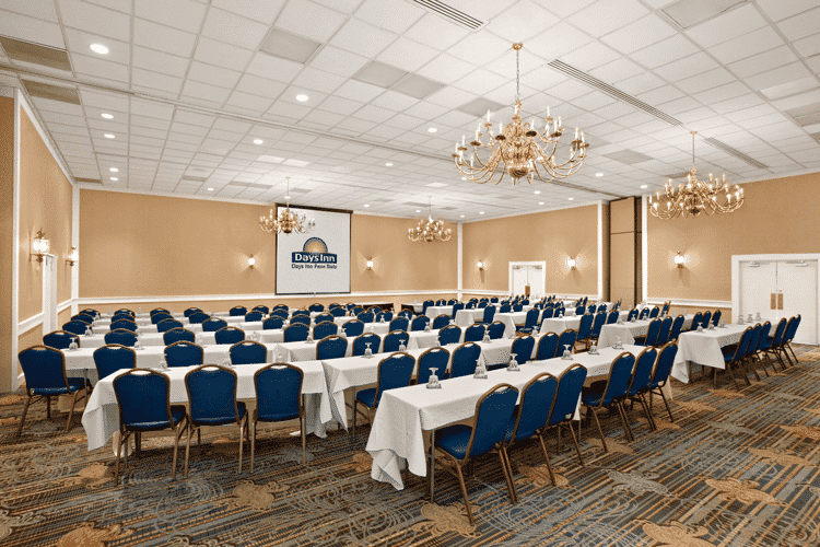 large banquet room for meetings days inn penn state
